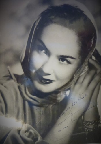 Image for Vintage B&W Photographs Argentinian Actress Lolita Torres w Autographs